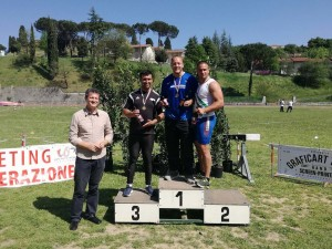 Il podo del lancio del Martello maschile premiato dall'assessore allo sport Andrea Sbardellati