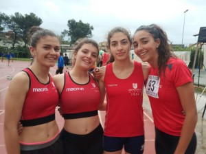 La 4x400 Allieve alla seconda fase dei societari 2019 di Cecina (da sx Bianca Floris, Silvia Fregoli, Elena Monciatti , Emma Sarri )